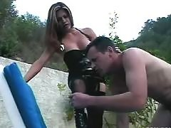 Brunette shemale assfucking outdoor