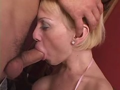 Blond shemale n guy suck each other